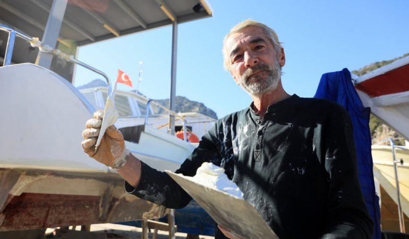 Antalya'da tur ve balıkçı tekneleri, sezona hazırlanıyor