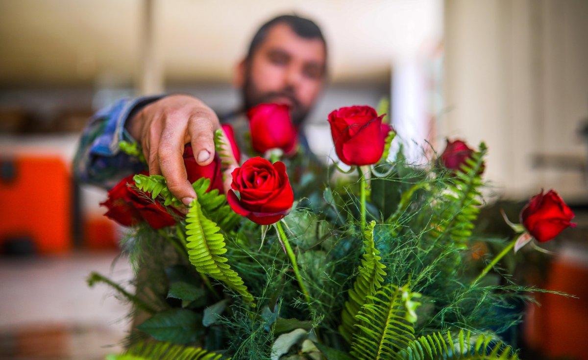 Dünya kadınlarının çiçekleri, Antalyalı kadın tarım işçilerinin eliyle hazırlanıyor #5